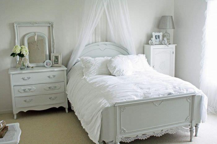 Дизайн спальной комнаты в стиле прованс для девочки