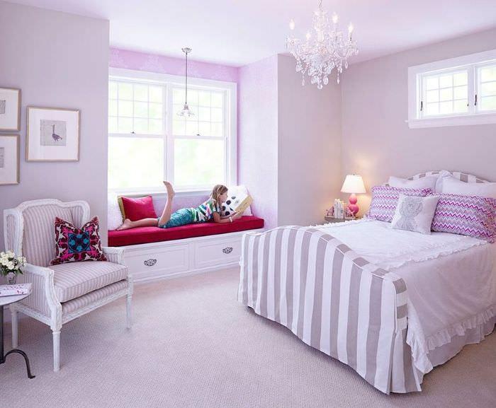 Нежно-лавандовый интерьер с добавлением сиреневых оттенков для женской спальни