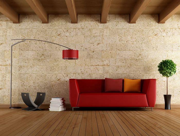 Красный диван на деревянном полу в современной гостиной