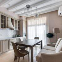 Декоративные балки на потолке кухни