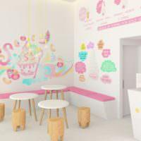 Яркие орнаменты в дизайне стен кухни