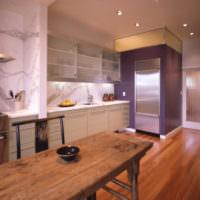 Отделка стен кухни обоями под мрамор