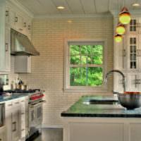 Имитация кирпичной кладки в дизайне кухонных стен