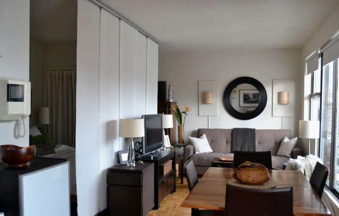 Раздвижная перегородка в однокомнатной квартире площадью 40 квадратов