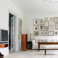 Декор картинами стены в гостиной