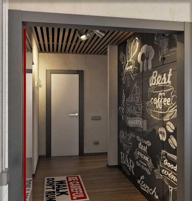 Дизайн прихожей с грифельной доской в однокомнатной квартире
