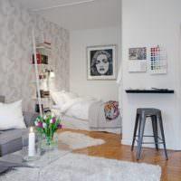 Спальня в алькове квартиры-студии