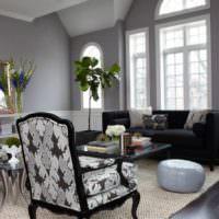 Классические стулья в дизайне современной гостиной