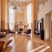 Дизайн гостиной с высоким потолком в стиле неоклассики