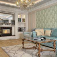 Деревянный журнальный столик в гостиной пастельных тонов