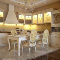 Подсветка фартука и шкафов на кухне частного дома