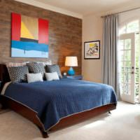 Дизайн спальни с яркими акцентами