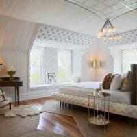 Декорирование окон спальни мебельной тканью