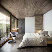Панорамные окна и деревянный потолок в спальне частного дома
