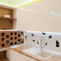 Ниша для хранения бутылок элитного вина на кухне