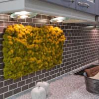 Панно из натурального мха на кухонном фартуке