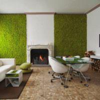 Зеленая фитостена из декоративного мха