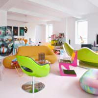 Мягкая мебель из мультфильмов в дизайне гостиной