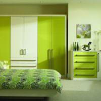 Оливковый цвет в интерьере современной спальни