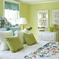 Оливковый цвет в оформлении спальни молодой девушки