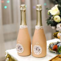 Окраска бутылок шампанского для свадьбы