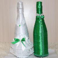 Зеленая и белая бутылки для свадьбы