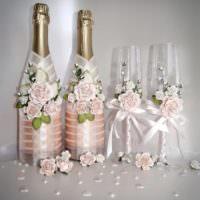 Цветки роз на свадебных бутылках своими руками
