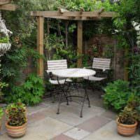 Райский уголок для отдыха в саду