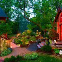 Яркие краски загородного сада