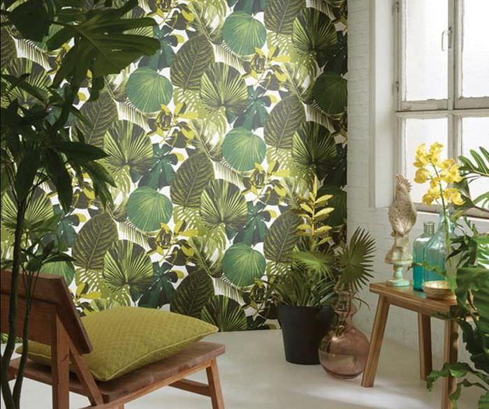 Фотообои с растениями на стене гостиной комнаты