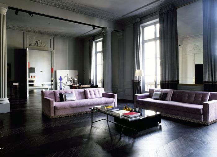 Дизайн гостиной комнаты в стиле минимализма с лавандовыми диванами