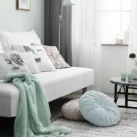 Мятный текстиль в декоре гостиной
