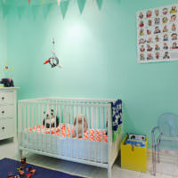 Комната для новорожденного в мятных тонах
