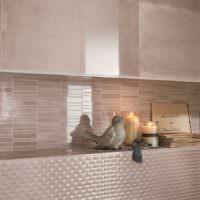 Кухонный фартук из полосок керамической мозаики