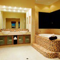 Декорирование мозаикой ванной в загородном доме