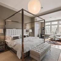 Современная спальня с оригинальным декором