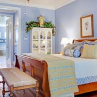 Мебель из массива дерева в дизайне спальни
