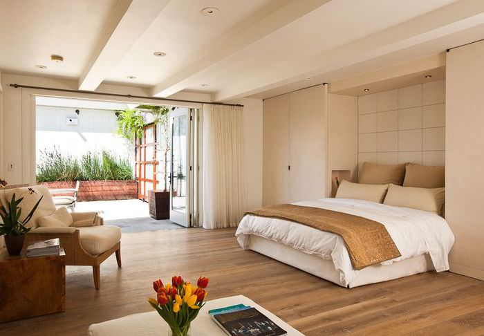 Ниша в спальной комнате для откидной кровати