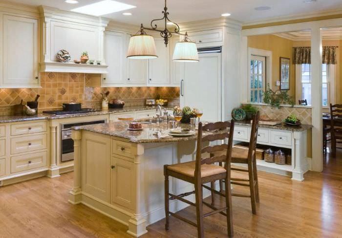 Интерьер кухонного пространства в стиле неоклассика
