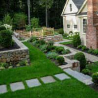 Камень и бетон в декорировании сада