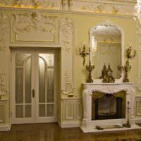 Гипсовая лепнина в дизайне гостиной классического стиля