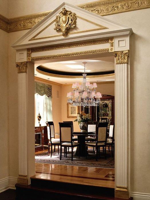 подробнее зажигании, квадратная арка с колоннами в квартире фото эффектное легкое платье