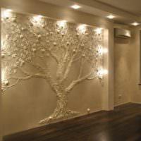 Подсветка стены с гипсовой лепниной