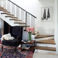 Забежные ступени на лестнице с поворотом