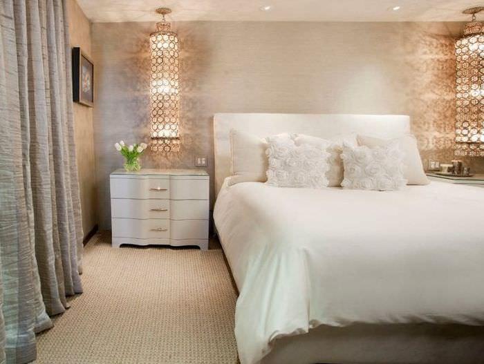 Освещение прикроватной зоны в спальном помещении