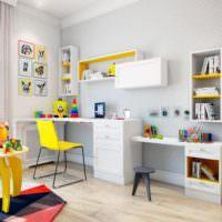 Детская комната в пастельных тонах с акцентами желтого цвета