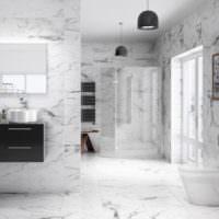 Серо-белый мрамор в отделке ванной комнаты