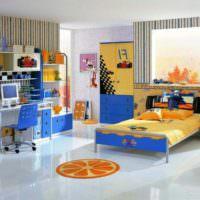 Оранжевый и синий цвета в оформлении детской комнаты