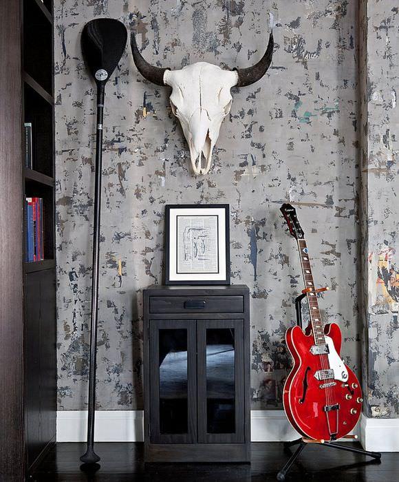 Декор стены в мужской гостиной