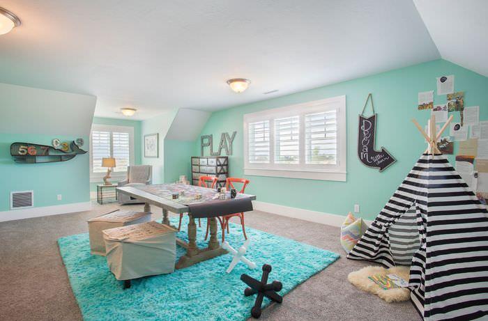 Детская комната в мятных тонах для мальчика